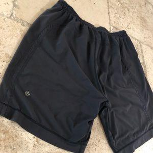 Men's lululemon black shorts
